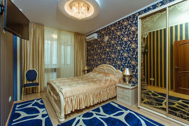 纳多布波兹南亚基酒店 - 基辅 - 睡房