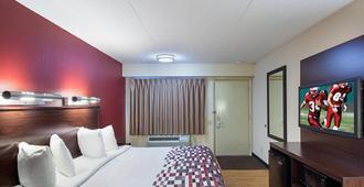 麦迪逊红屋顶酒店 - 麦迪逊 - 睡房