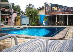 布里蒂酒店 - 巴雷里尼亚斯 - 游泳池