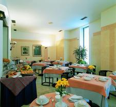 布里科斯里昂酒店