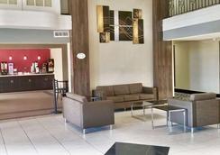 亚瑟港贝蒙特套房酒店 - Port Arthur - 大厅