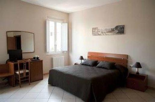 圣罗马诺酒店 - 费拉拉 - 睡房