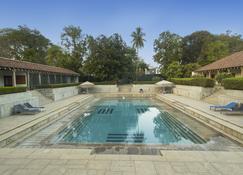 马杜赖遗产酒店 - 马杜赖 - 游泳池