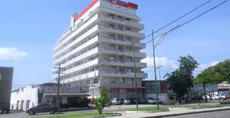 舍拉斯大道公寓酒店 - 马瑙斯