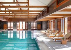 丽江金茂君悦酒店 - 丽江 - 游泳池