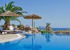 卡沃斯纳索斯精品酒店 - 斯泰里达 - 游泳池