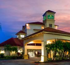 莱克兰西拉金塔旅馆及套房