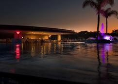 费特希耶巴鲁特图伊森萨托里度假酒店 - 费特希耶 - 游泳池