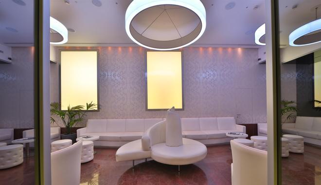 那锡那里贝斯特韦斯特酒店 - 圣雷莫 - 休息厅