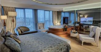 伊斯坦布尔cvk塔克西姆酒店 - 伊斯坦布尔 - 睡房