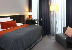 凯瑞华晟酒店-保斯特 - 哥德堡 - 睡房