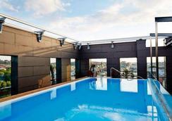 凯瑞华晟酒店-保斯特 - 哥德堡 - 游泳池