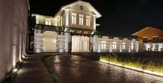秋丽亚贵宾酒店 - 乔治敦 - 建筑