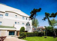 Phi公园阿尔西万酒店 - 滨海弗兰卡维拉 - 建筑