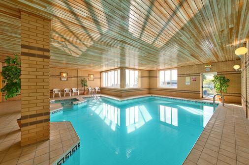 海峡美景酒店 - 尚克林 - 游泳池