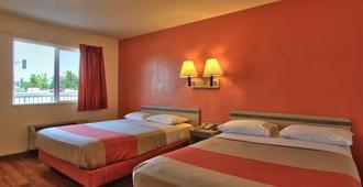 萨克拉门托北6号汽车旅馆 - 萨克拉门托 - 睡房