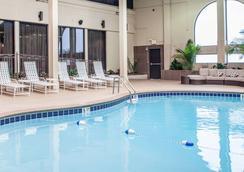 纳什维尔市中心 - 体育场克拉丽奥酒店 - 纳什维尔 - 游泳池