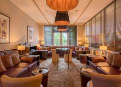 贝斯特韦斯特高级卡斯坦萨度假酒店酒店 - 吕内堡 - 休息厅