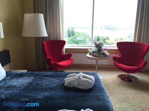 里加小岛酒店 - 里加 - 睡房