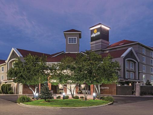 丹佛机场dia温德姆拉昆塔套房酒店 - 丹佛 - 建筑