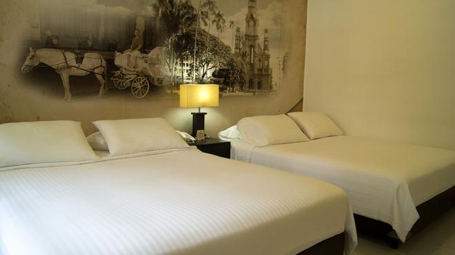 圣安东尼奥普尔塔酒店 - 卡利 - 睡房
