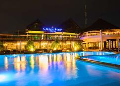 阿克拉金色郁金香酒店 - 阿克拉 - 游泳池