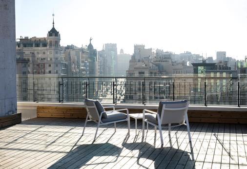 马德里巴塞罗托雷酒店 - 马德里 - 阳台