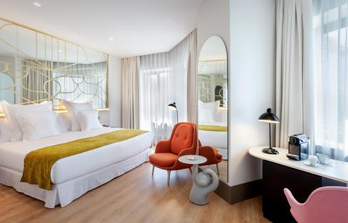 马德里巴塞罗托雷酒店 - 马德里 - 睡房