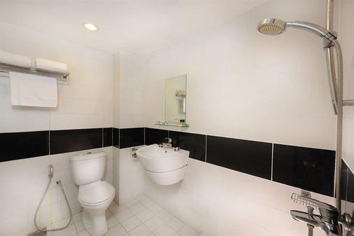 康帕斯酒店集团兰卡威思庭酒店 - 兰卡威 - 浴室