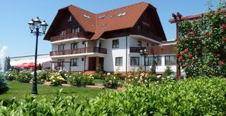 酒店花园俱乐部 - 布拉索夫 - 建筑