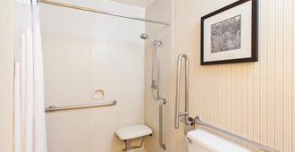 萨克拉门托市中心区假日酒店 - 萨克拉门托 - 浴室