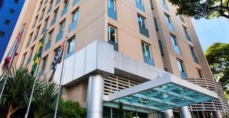 圣保罗伊比拉普埃拉舒适酒店 - 圣保罗 - 建筑