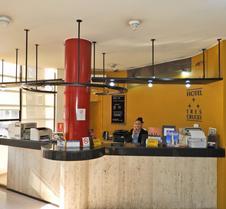 特雷斯克鲁塞斯酒店