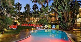 海洋棕榈滩度假酒店 - 卡尔斯巴德 - 游泳池