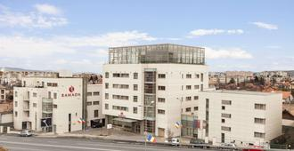 克鲁日温德姆华美达酒店 - 克卢日-纳波卡 - 建筑