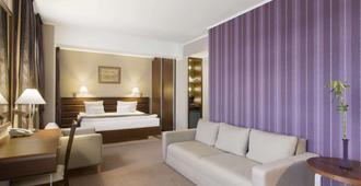 克卢日华美达酒店 - 克卢日-纳波卡 - 睡房