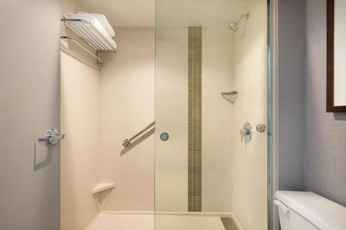 芝加哥夏姆堡凯悦嘉轩酒店 - 绍姆堡 - 浴室