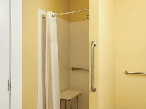 拉昆塔斯莱德尔北海岸套房酒店 - 斯莱德尔 - 浴室