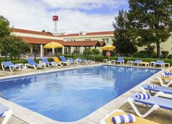 塞图巴尔宜必思酒店 - 塞图巴尔 - 游泳池