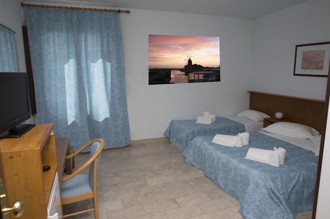 伊索拉迪莫萨酒店 - 马尔萨拉 - 睡房