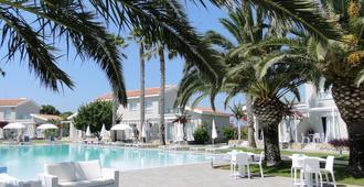 梦蕾珀酒店 - 圣纳帕 - 游泳池