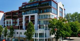 河缘酒店 - 波特兰 - 建筑