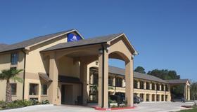 查尔斯湖 I-210 11 号出口美洲最佳价值套房酒店 - 查尔斯湖 - 建筑