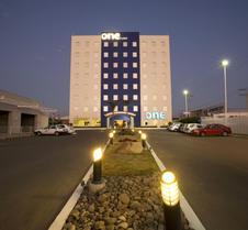 阿瓜斯卡连特斯苏尔One酒店
