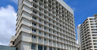 那霸东急比兹福酒店 - 那霸 - 建筑