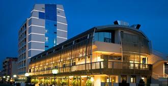伊克斯西尔酒店 - 佩萨罗 - 建筑