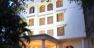 麦格拉斯豪华酒店 - 班加罗尔 - 建筑