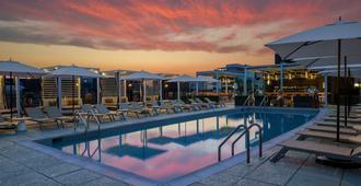 阿菲尼亚哥伦比亚特区丽耶松国会山酒店 - 华盛顿 - 游泳池