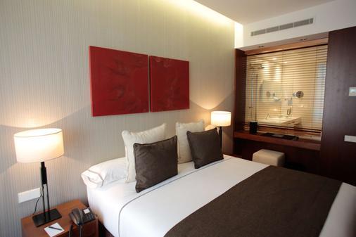 凯黎世波尔图里贝拉酒店 - 波尔图 - 睡房