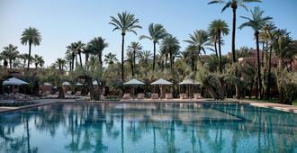 皇家曼苏尔马拉喀什酒店 - 马拉喀什 - 游泳池